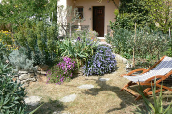 sieste-dans-le-jardin